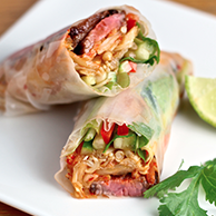Spicy Picanha Beef Salad paper rolls